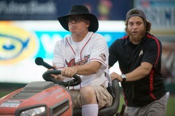 buck-tractor-race